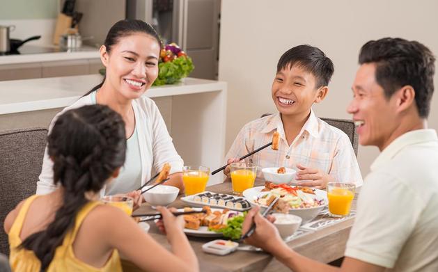 Làm gì để giữ bữa cơm gia đình truyền thống trong thời đại 4.0